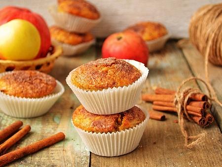 Мъфини с ябълки и канела - снимка на рецептата